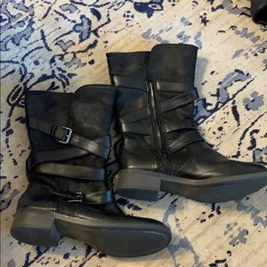 Black wrap around buckle boots, fur lined